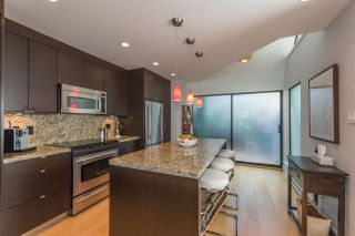"""Photo 10: 1165 W 7TH Avenue in Vancouver: Fairview VW Townhouse for sale in """"FAIRVIEW MEWS"""" (Vancouver West)  : MLS®# R2208727"""