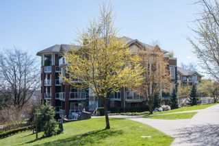 Photo 2: 203 14 E ROYAL Avenue in New Westminster: Fraserview NW Condo for sale : MLS®# R2618179