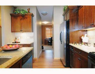 "Photo 3: 76 24185 106B Avenue in Maple Ridge: Albion Townhouse for sale in ""TRAILS EDGE"" : MLS®# V810262"