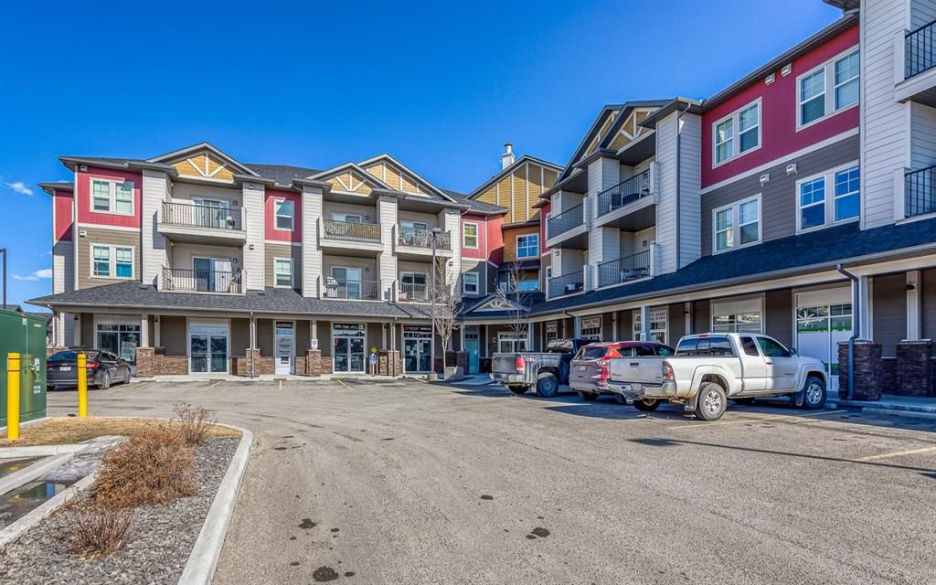 Main Photo: 9308 101 Sunset Drive: Cochrane Apartment for sale : MLS®# A1079009