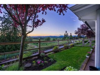 """Photo 4: 209 16380 64 Avenue in Surrey: Cloverdale BC Condo for sale in """"The Ridge at Bose Farms"""" (Cloverdale)  : MLS®# R2589170"""