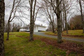 Main Photo: 801 South Rawdon Road in Mount Uniacke: 105-East Hants/Colchester West Residential for sale (Halifax-Dartmouth)  : MLS®# 202023802