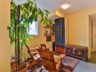 """Photo 17: 1976 NAPIER Street in Vancouver: Grandview VE House for sale in """"COMMERCIAL DRIVE"""" (Vancouver East)  : MLS®# R2082902"""