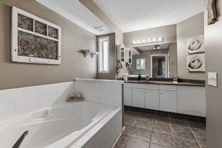 Photo 18: 296 Mt. Brewster Circle SE in Calgary: McKenzie Lake Detached for sale : MLS®# A1118914