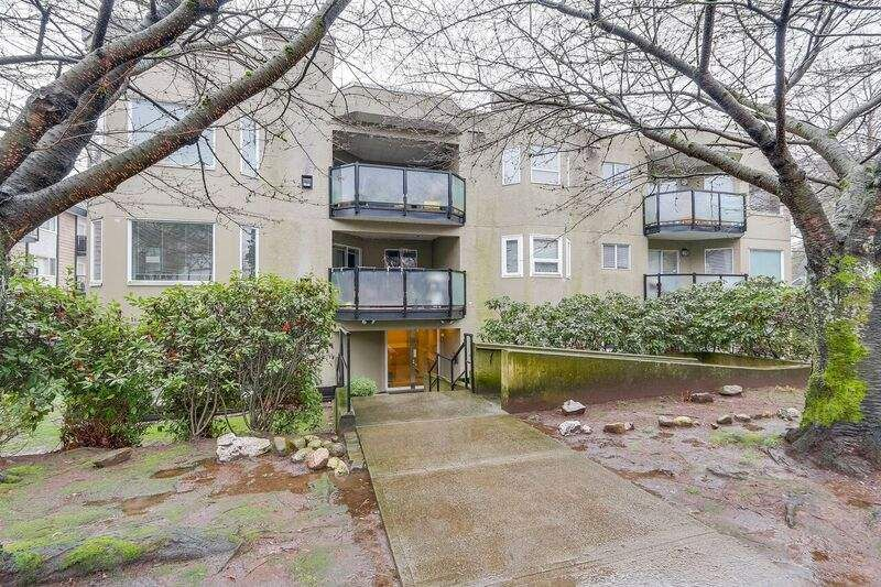 Main Photo: 106 175 W 4 Street in North Vancouver: Lower Lonsdale Condo for sale : MLS®# R2231385