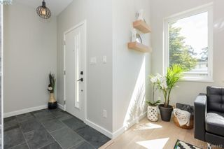 Photo 5: 101 Uganda Ave in VICTORIA: Es Kinsmen Park House for sale (Esquimalt)  : MLS®# 796461