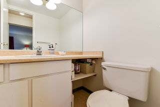 """Photo 26: 201 1740 SOUTHMERE Crescent in Surrey: Sunnyside Park Surrey Condo for sale in """"Capstan Way: Spinnaker II"""" (South Surrey White Rock)  : MLS®# R2526550"""
