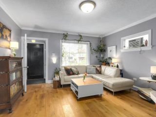 Photo 4: 2651 VENABLES Street in Vancouver: Renfrew VE House for sale (Vancouver East)  : MLS®# R2266027