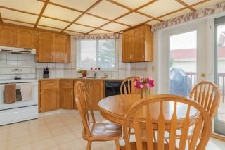 Photo 11: 7607 158 Avenue in Edmonton: Zone 28 House for sale : MLS®# E4242659