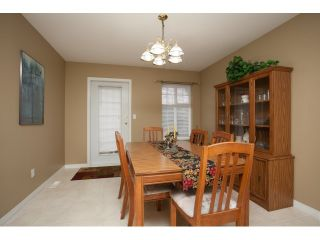 """Photo 6: 54 15959 82ND Avenue in Surrey: Fleetwood Tynehead Townhouse for sale in """"CHERRY TREE LANE"""" : MLS®# R2035228"""