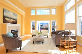 Photo 3: 2002 TURNBERRY LANE in Coquitlam: Westwood Plateau House for sale : MLS®# R2055635