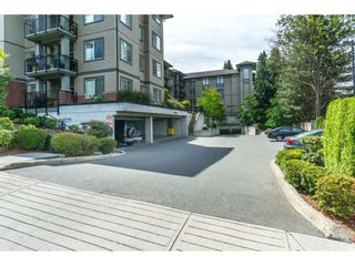 "Photo 2: 306 33898 PINE Street in Abbotsford: Central Abbotsford Condo for sale in ""Gallantree"" : MLS®# R2286866"