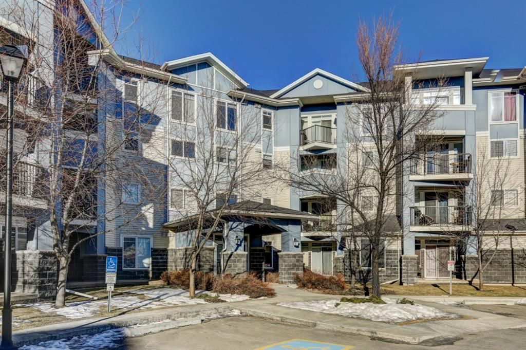 Main Photo: 303 108 COUNTRY VILLAGE Circle NE in Calgary: Country Hills Village Apartment for sale : MLS®# A1063002