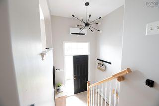 Photo 2: 52 Surrey Way in Dartmouth: 17-Woodlawn, Portland Estates, Nantucket Residential for sale (Halifax-Dartmouth)  : MLS®# 202119741