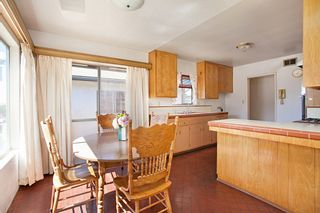 Photo 3: CLAIREMONT House for sale : 3 bedrooms : 4530 MILTON STREET in San Diego