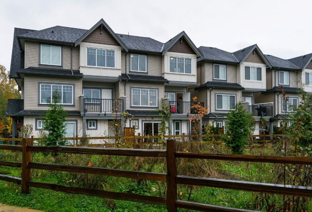 """Main Photo: 40 6971 122 Street in Surrey: West Newton Townhouse for sale in """"Aura"""" : MLS®# R2120843"""