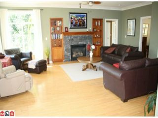 """Photo 8: 4550 UDY Road in Abbotsford: Sumas Mountain House for sale in """"Sumas Mtn."""" : MLS®# F1117342"""