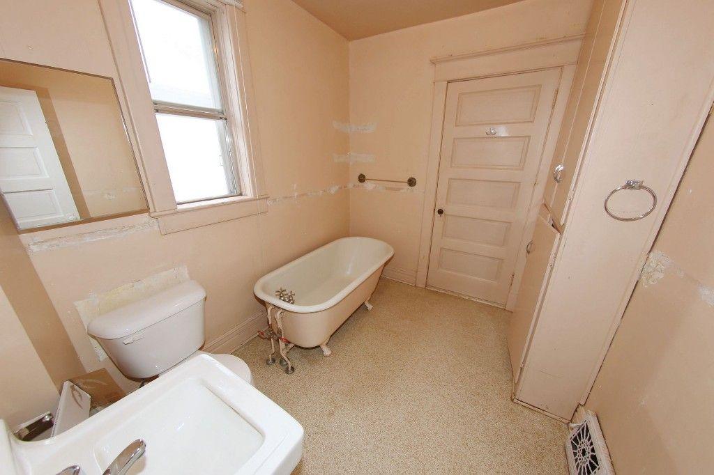 Photo 17: Photos: 1205 Wolseley Avenue in Winnipeg: Wolseley Single Family Detached for sale (5B)  : MLS®# 1713764