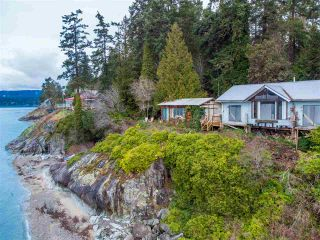 Photo 2: 8559 REDROOFFS Road in Halfmoon Bay: Halfmn Bay Secret Cv Redroofs House for sale (Sunshine Coast)  : MLS®# R2532493