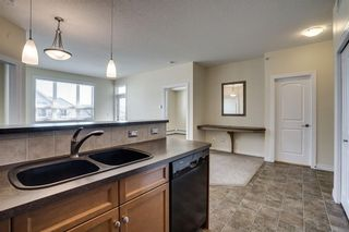 Photo 7: 451 26 VAL GARDENA View SW in Calgary: Springbank Hill Apartment for sale : MLS®# C4248066