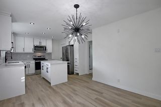 Photo 11: 2445 Elmwood Drive SE in Calgary: Southview Detached for sale : MLS®# A1119973