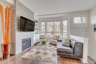 Photo 2: 85 100 KLAHANIE DRIVE in Port Moody: Port Moody Centre Townhouse for sale : MLS®# R2253692