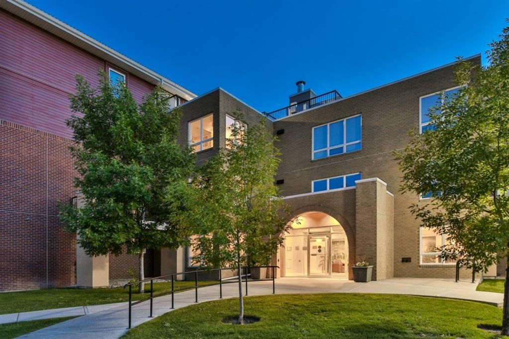 Main Photo: 1316 10221 Tuscany Boulevard NW in Calgary: Tuscany Apartment for sale : MLS®# A1097944