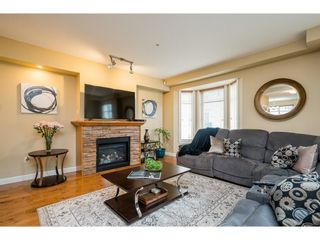 """Photo 4: 146 20738 84 Avenue in Langley: Willoughby Heights Townhouse for sale in """"Yorkson Creek"""" : MLS®# R2586227"""