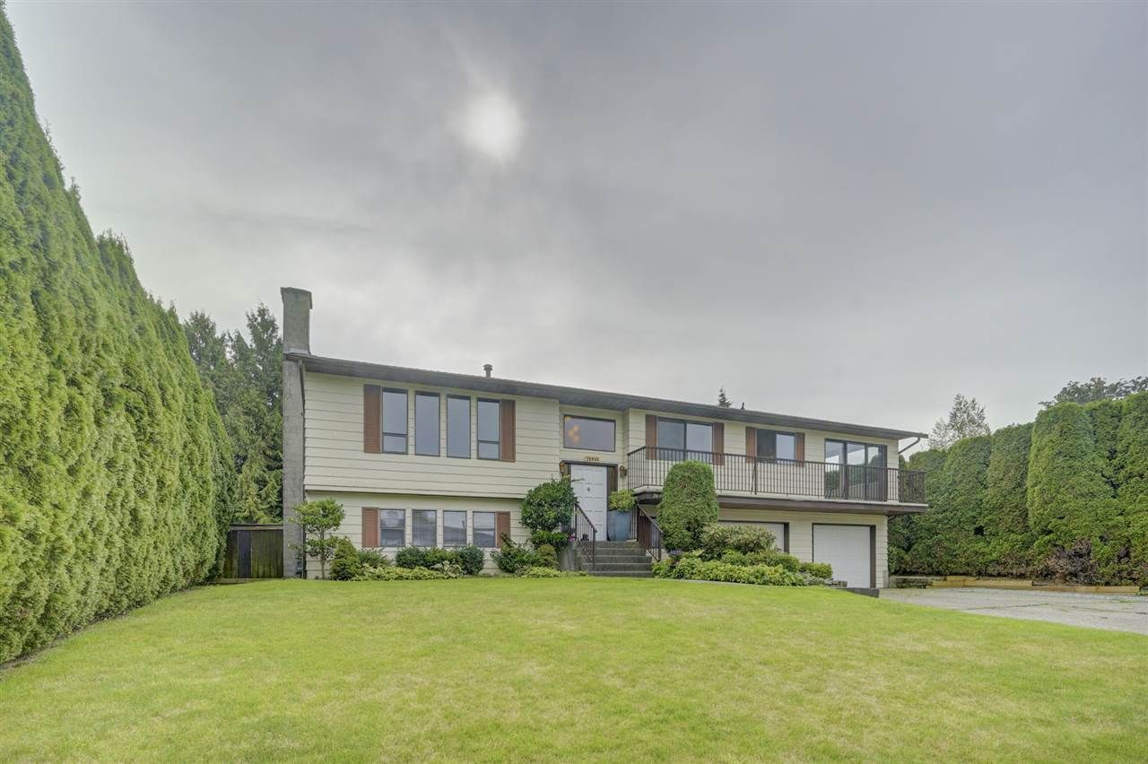 Main Photo: 26944 33 Avenue in Langley: Aldergrove Langley House for sale : MLS®# R2409006