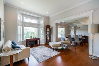 """Photo 4: 14708 31A Avenue in Surrey: Elgin Chantrell House for sale in """"HERITAGE TRAILS"""" (South Surrey White Rock)  : MLS®# R2596097"""