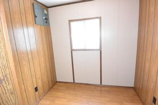 """Photo 11: 21 95 LAIDLAW Road in Smithers: Smithers - Rural Manufactured Home for sale in """"MOUNTAIN VIEW MOBILE HOME PARK"""" (Smithers And Area (Zone 54))  : MLS®# R2256996"""