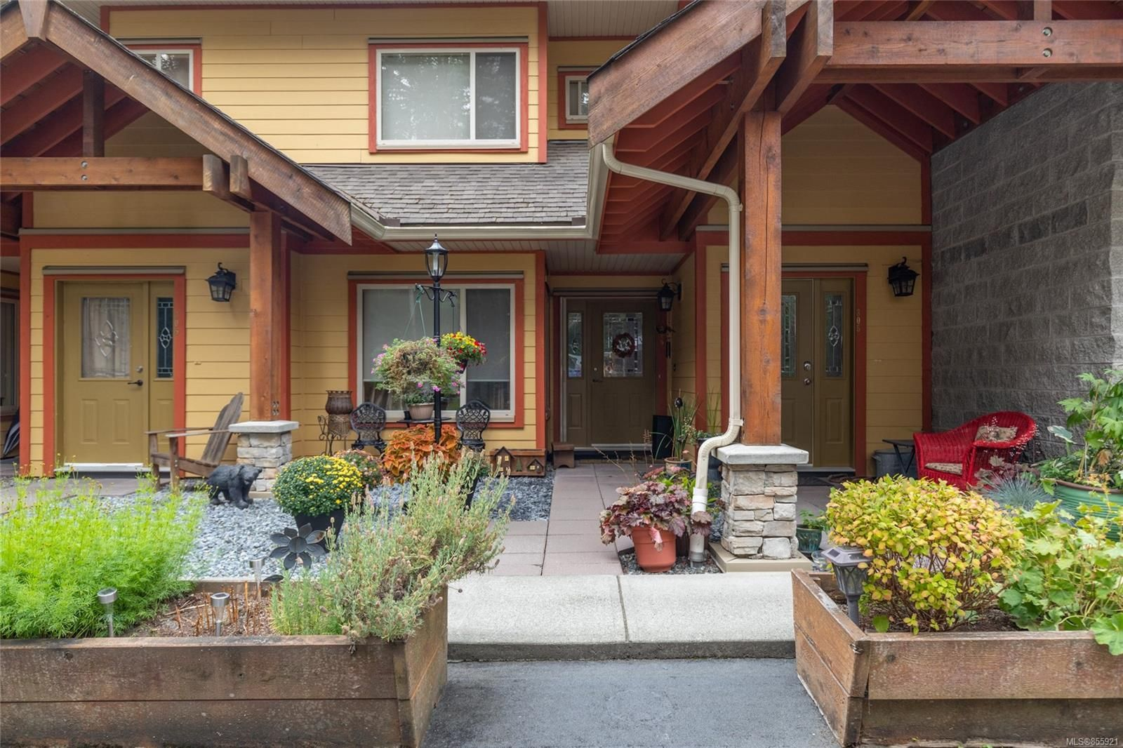 Photo 2: Photos: 206 1244 4TH Ave in : Du Ladysmith Row/Townhouse for sale (Duncan)  : MLS®# 855921