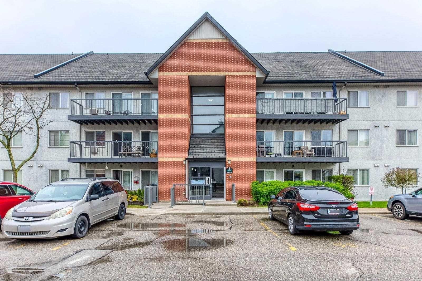 Main Photo: 823 1450 Glen Abbey Gate in Oakville: Glen Abbey Condo for lease : MLS®# W5217020