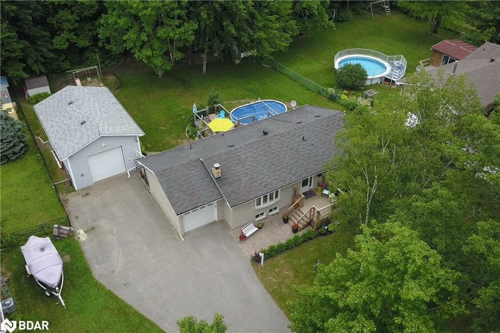 Main Photo: 3768 HORSESHOE VALLEY Road in Springwater: House for sale