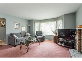 """Photo 6: 33304 MEADOWLANDS Avenue in Abbotsford: Central Abbotsford House for sale in """"Terry Fox School Area"""" : MLS®# R2397473"""