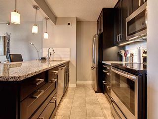 Photo 9: 809 221 6 Avenue SE in Calgary: Downtown Commercial Core Apartment for sale : MLS®# A1125192