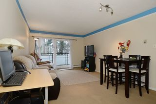 "Photo 3: 403 360 E 2ND Street in North Vancouver: Lower Lonsdale Condo for sale in ""EMERALD MANOR"" : MLS®# V993819"