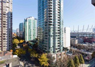 """Photo 1: 1201 909 MAINLAND Street in Vancouver: Yaletown Condo for sale in """"YALETOWN PARK II"""" (Vancouver West)  : MLS®# R2218452"""