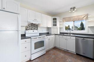 Photo 10: 43 BELMONT Drive: St. Albert House for sale : MLS®# E4261966