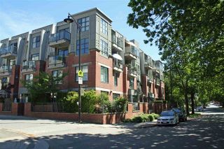 "Photo 1: 407 2688 VINE Street in Vancouver: Kitsilano Condo for sale in ""TREO"" (Vancouver West)  : MLS®# R2168405"