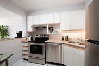 """Photo 9: 2201 950 CAMBIE Street in Vancouver: Yaletown Condo for sale in """"Pacific Place Landmark 1"""" (Vancouver West)  : MLS®# R2617691"""