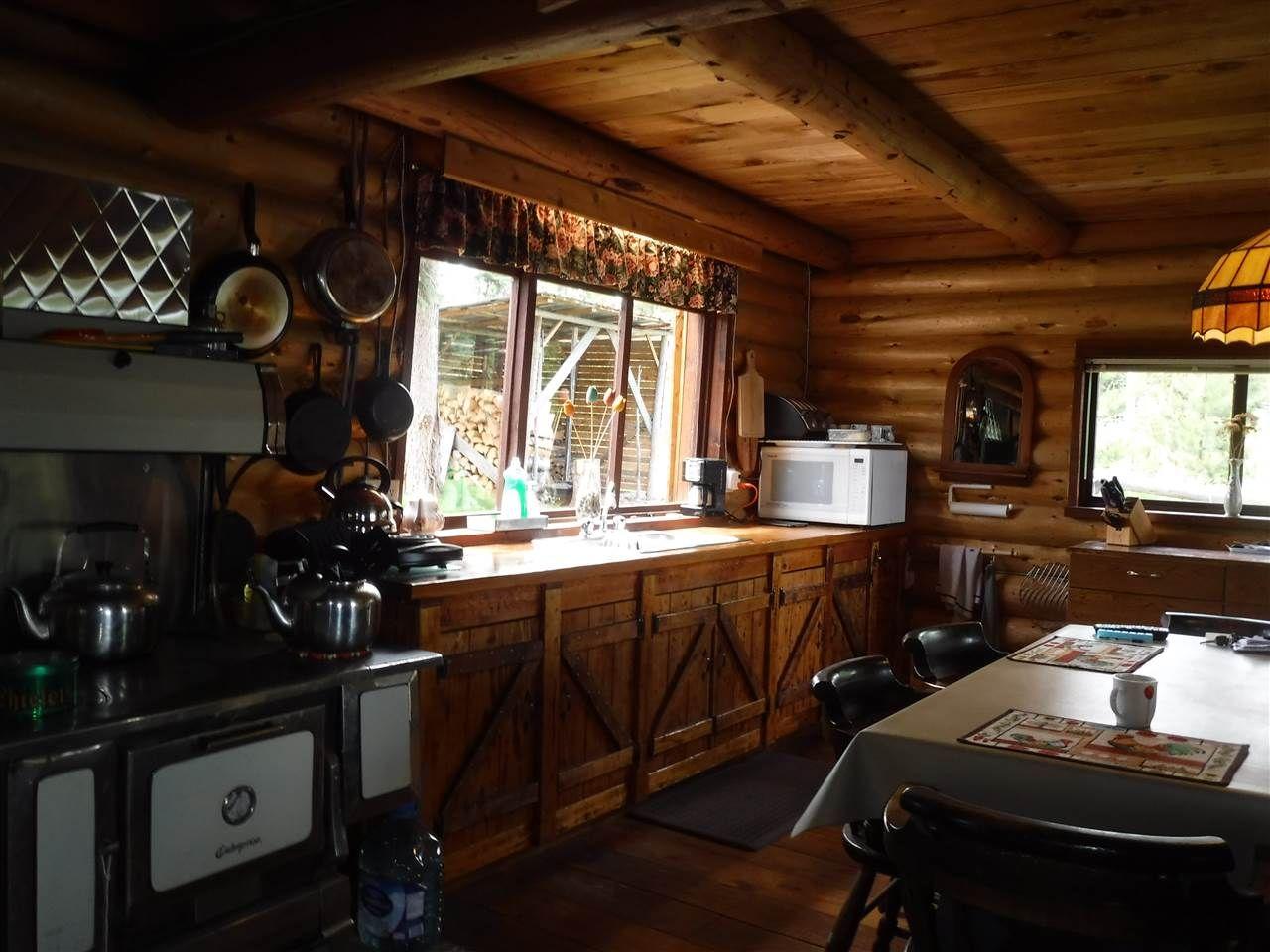 Photo 8: Photos: 3056 ELSEY Road in Williams Lake: Williams Lake - Rural West House for sale (Williams Lake (Zone 27))  : MLS®# R2472269