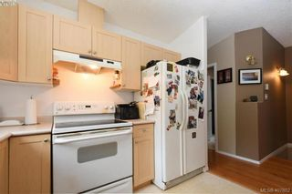 Photo 9: 2873 Young Pl in VICTORIA: La Glen Lake Half Duplex for sale (Langford)  : MLS®# 810391