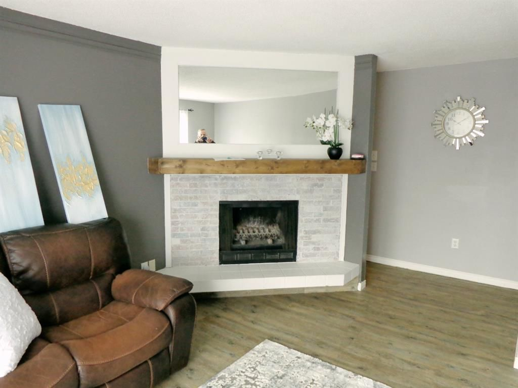 Photo 7: Photos: 301 5812 61 Street: Red Deer Apartment for sale : MLS®# A1063837