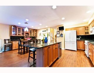 """Photo 4: 35 22488 116TH Avenue in Maple Ridge: East Central Townhouse for sale in """"RICHMOND HILL"""" : MLS®# V801990"""