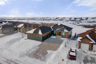 Photo 1: 160 Rosewood Drive in Lumsden: Residential for sale : MLS®# SK842016