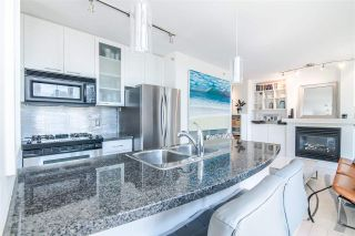 """Photo 2: 1207 989 RICHARDS Street in Vancouver: Downtown VW Condo for sale in """"MONDRIAN I"""" (Vancouver West)  : MLS®# R2373679"""