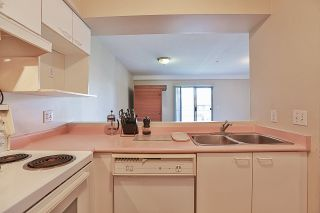 """Photo 5: 208 1615 FRANCES Street in Vancouver: Hastings Condo for sale in """"FRANCES MANOR"""" (Vancouver East)  : MLS®# R2273117"""