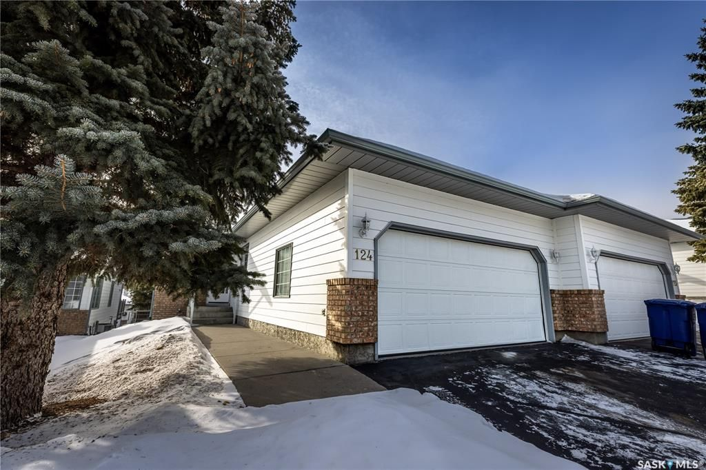 Main Photo: 124 306 La Ronge Road in Saskatoon: Lawson Heights Residential for sale : MLS®# SK843053