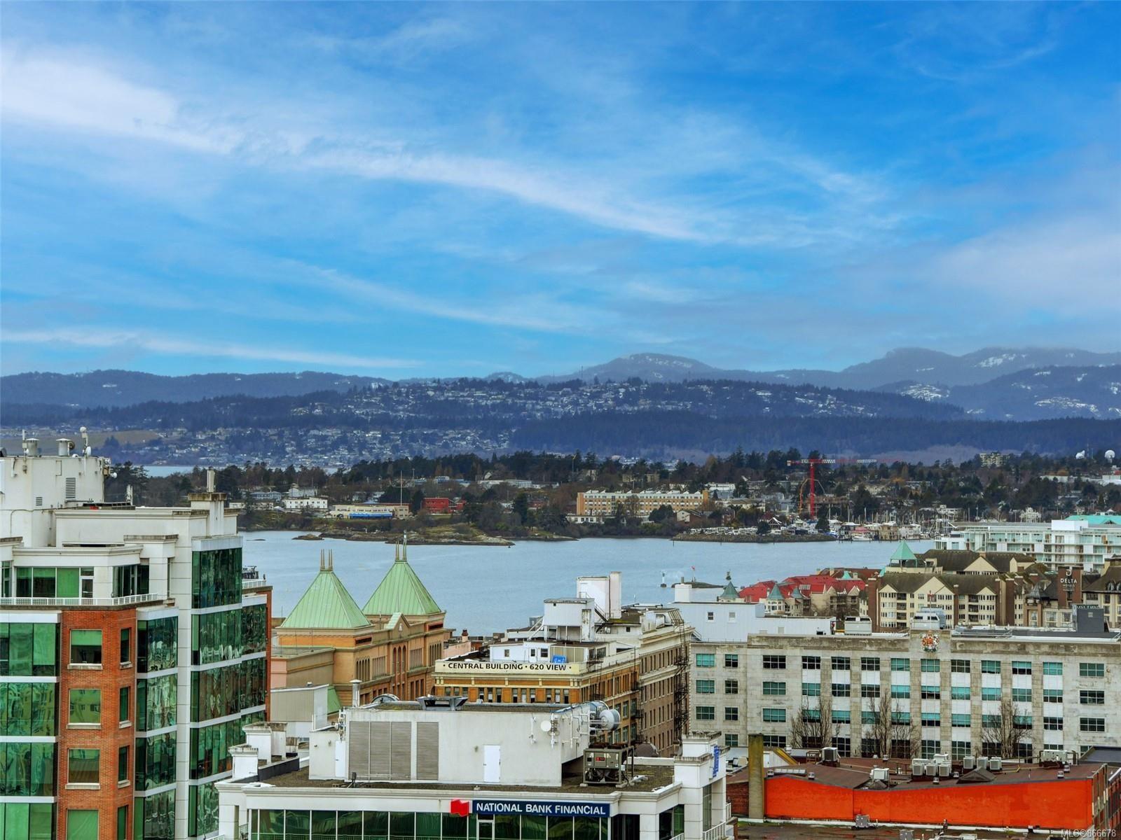 Main Photo: 1701 848 Yates St in : Vi Downtown Condo for sale (Victoria)  : MLS®# 866678